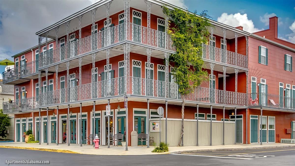 The Garden District Apartment In Auburn Al
